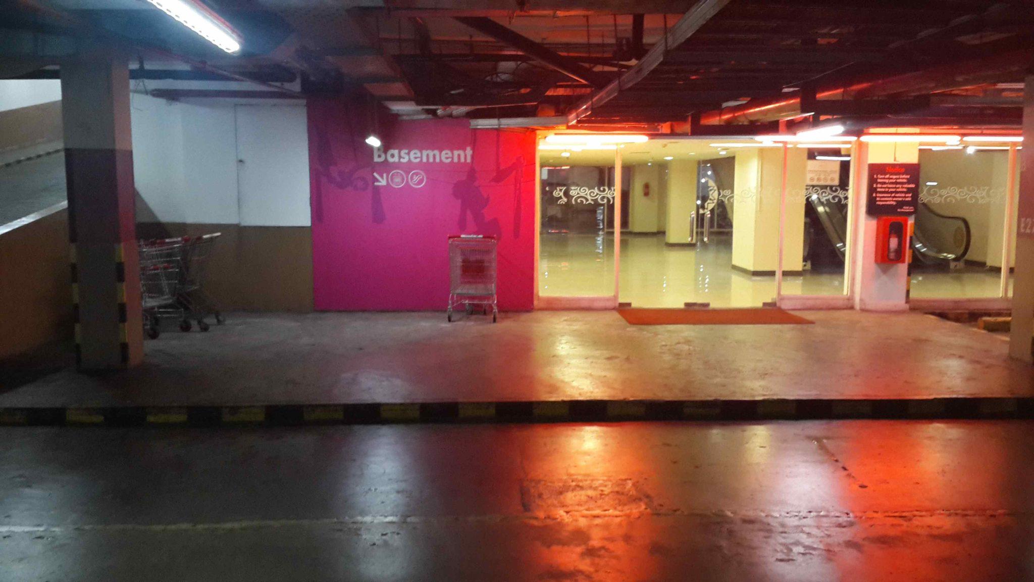 perbaikan lantai MOI 4